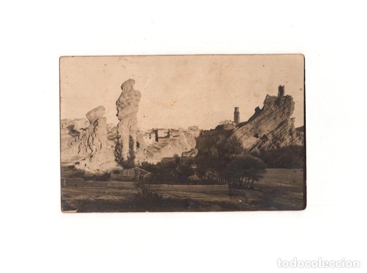 AUTOL.(LA RIOJA).- EL PICUELO Y LA PICUEZA, AL FONDO PUEBLO. POSTAL FOTOGRÁFICA. (Postales - España - La Rioja Antigua (hasta 1939))