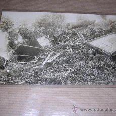 Postales: FERROCARRIL - ACCIDENTE DESCARRILAMIENTO DE UN TREN POSTAL FOTOGRAFICA ESPAÑOLA 14X9 CM.. Lote 29869449
