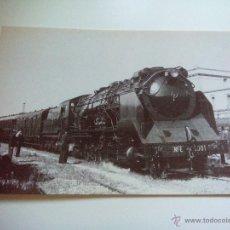 Postales: EUROFER AMICS DEL FERROCARRIL Nº 4094 LOCOMOTORA 151/3101 VILANOVA I LA GELTRÚ (FOTO AÑO 1942). Lote 52809582