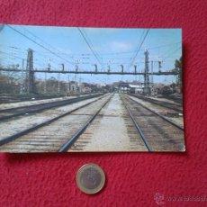 Postales: TARJETA POSTAL POST CARD HISTORIA FERROCARRIL ESPAÑOL TREN TRAIN PUENTE DE SEÑALES MADRID ATOCHA. Lote 54669684