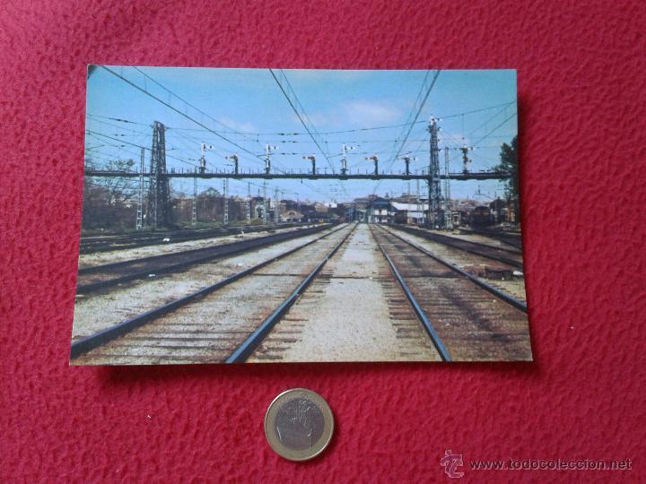 TARJETA POSTAL POST CARD HISTORIA FERROCARRIL ESPAÑOL TREN TRAIN PUENTE DE SEÑALES MADRID ATOCHA (Postales - Postales Temáticas - Trenes y Tranvías)