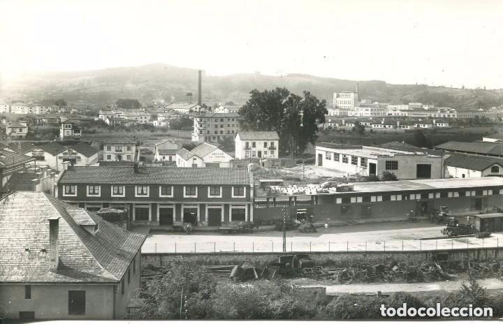 TORRELAVEGA- ESTACIÓN FERROCARRIL-FÁBRICA DE ABONOS LA FORTUNA- (Postales - Postales Temáticas - Trenes y Tranvías)