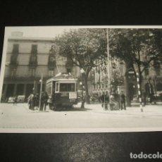 Postales: BARCELONA POSTAL FOTOGRAFICA POR INGLES BURROWS TRANVIA AÑOS 40-50. Lote 128950379