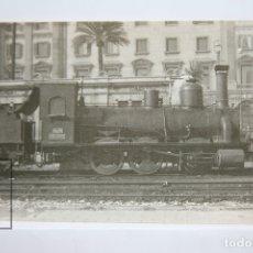 Postales: POSTAL DE TREN - Nº 4047 - LOCOMOTORA VAPOR 030-2605 - PASEO COLÓN, BARCELONA 1958 - EUROFER. Lote 148873256