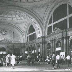 Postales: FERROCARRILES-BARCELONA-ESTACIÓN TÉRMINO O DE FRANCIA-VESTÍBULO 1970- CUYÁS. Lote 147419938