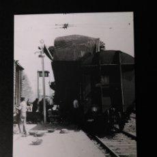 Postales: HISTORIA FERROCARRILES GERONA CAMALLERA DESCARRILO EN LA ESTACIÓN DETALLE 8. Lote 191352522