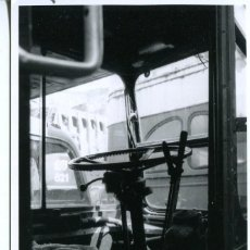 Postales: BARCELONA- AUTOBÚS CABINA CONDUCTOR-FOTOGRÁFICA ORIGINAL 1970. Lote 204777400