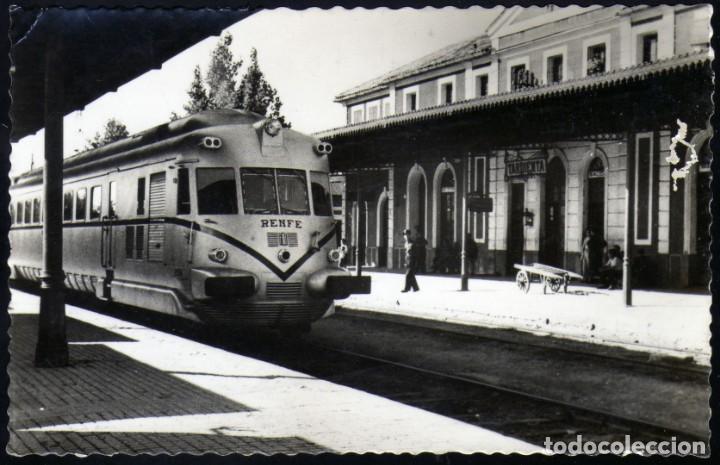 MAGNIFICA POSTAL DE TARDIENTA (HUESCA) AÑOS 50 ESTACIÓN CON HISTORICA MAQUINA (Postales - Postales Temáticas - Trenes y Tranvías)