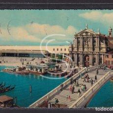 Postales: ITALIA, VENECIA IGLESIA DE LOS SCALZI Y ESTACIÓN DE TREN, 1965. Lote 288061558