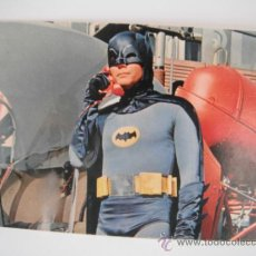 Postales: POSTAL DE ADAM WEST SERIE BATMAN 1967. DE POSTAL OSCAR COLOR S.A.-HOSPITALET-. Lote 33773746