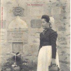 Postales: PS1149 POSTAL DE JOVEN CATALANA YENDO A LA FUENTE - LE ROUSSILLON. LABOUCHE FR. SIN CIRCULAR. Lote 33979709