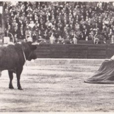 Postales: P-297. TORERO EMILIO ORTUÑO (JUMILLANO). 1955-56. CORRIDA DE TOROS.. Lote 47344102