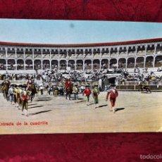 Postales: ANTIGUA POSTAL DE TEMÁTICA TAURINA. ENTRADA DE LA CUADRILLA. SIN CIRCULAR. Lote 57861435