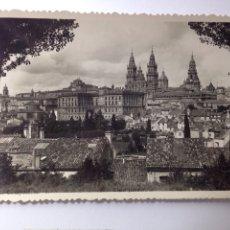 Postales: SANTIAGO DE COMPOSTELA . VISTA PARCIAL. Lote 80496166