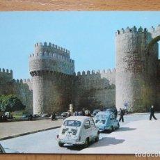 Postales: AVILA - PLAZA SANTA TERESA Y PUERTA DEL ALCAZAR 1963 - ALARDE Nº7- SEAT 600. Lote 144103690