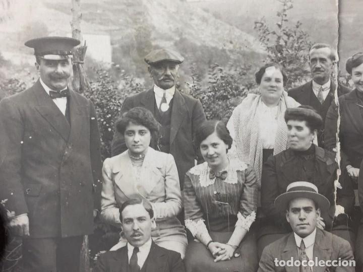 Postales: postal fotografia dividida grupo posando familia santander cantabria rasgada - Foto 3 - 105840859