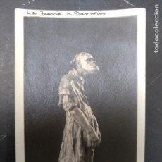 Postales: DARWIN - POSTAL DE FIGURA ANTIGUA. MONO VESTIDO DE COLECCIÓN OVIEDO. SIN CIRCULAR.. Lote 120763755