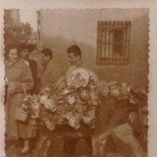 Postales: SEVILLA VENDEDOR CERÁMICA SEVILLANA. AÑOS 40 . Lote 120862451