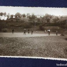 Postales: FOTO MARIN SAN SEBASTIAN ASPECTO GOLF EN DIA CAMPEONATO ORIO LASARTE SEPTIEMBRE 1933 9X13,5CMS. Lote 140082662