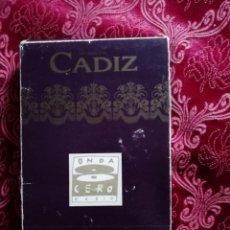 Postales: SEMANA SANTA DE CADIZ PAQUETE DE 66 POSTALES EDITADA POR ONDA CERO . Lote 147675638