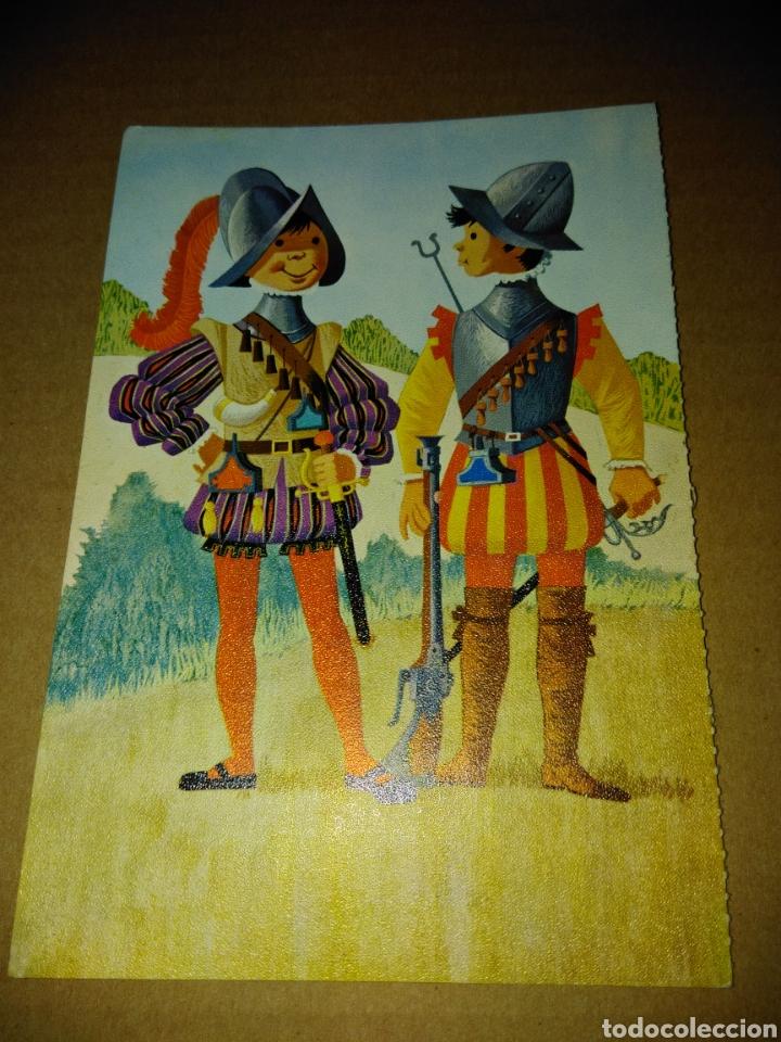 ANTIGUA POSTAL UNIFORMES ESPAÑOLES (Postales - Varios)