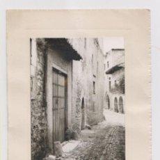 Cartoline: FOTOGRAFÍA. SANTILLANA DEL MAR. CALLE DE LAS LINDAS. CANTABRIA. FOTO ZUBIETA. Lote 165753142