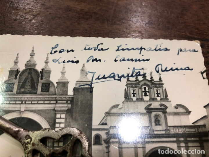 Postales: POSTAL SEVILLA - ARCO DE LA MACARENA CON FIRMA Y DEDICATORIA DE JUANITA REINA - Foto 2 - 172242557