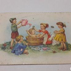 Postales: POSTAL NIÑOS BAÑANDO EN EL CAMPO. Lote 180037368