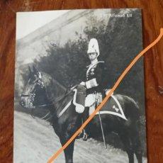 Postales: ANTIGUA POSTAL. REY ALFONSO XIII MONTADO A CABALLO CON UNIFORME MILITAR.. Lote 137513898