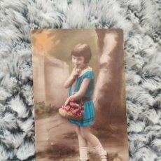 Postales: POSTAL ANTIGUA INFANTIL ,FOTO DE NIÑA COLOREADA A MANO. Lote 206783920