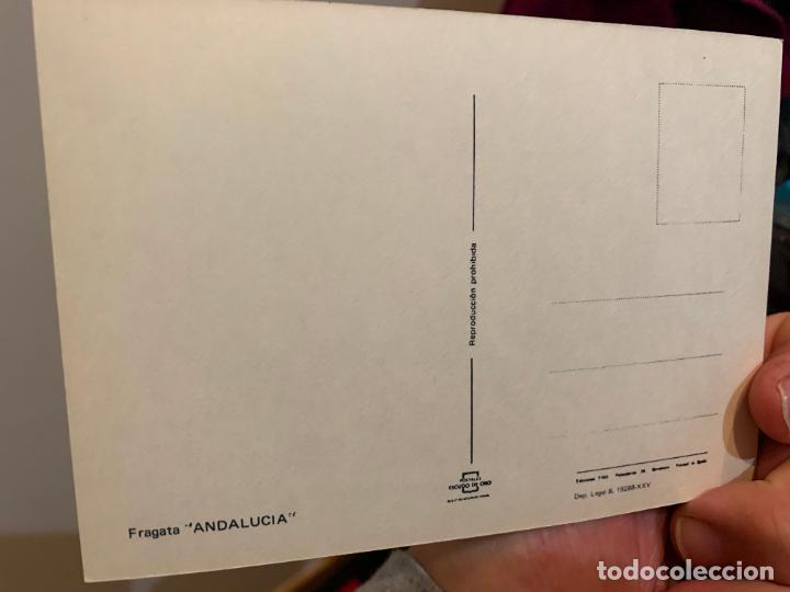 Postales: POSTAL DE UN BARCO DE GUERRA NAVEGANDO EN UN DESFILE NAVAL - Foto 2 - 228201840