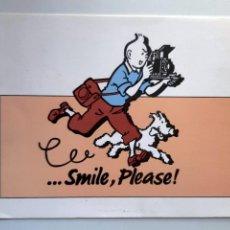 Postales: POSTAL TINTIN ... SMILE, PLEASE. Lote 244541505