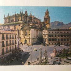 Postales: POSTAL JAÉN PLAZA DE SAN FRANCISCO CATEDRAL CORREOS ARQUITECTURA ESPAÑA AÑOS 70 EDIFICIOS COCHES. Lote 263171095