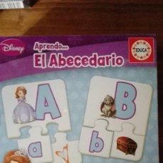 Puzzles: JUEGO EDUCATIVO DISNEY SOFÍA: APRENDIENDO EL ABECEDARIO. EDITORIAL: EDUCA. Lote 99798031