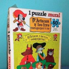 Puzzles: PUZZLE MURAL DE D'ARTACAN Y LOS TRES MOSQUEPERROS 1981 COMPLETO VER FOTOS Y DESCRIPCION. Lote 136507310