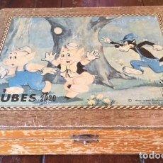 Puzzles: ANTIGUO ROMPECABEZAS LOS TRES CERDITOS Y EL LOBO .CUBES 2020 WALTDISNEY , PRINCIPIOS SIGLO. Lote 137513394