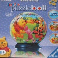 Puzzles: PUZZLE BALL JUNIOR. WINNIE THE POOH. 96 PIEZAS. RAVENSBURGER. 12 CM DIAMETRO. VER FOTOS Y DESCRIPCIO. Lote 149911854