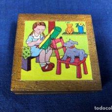 Puzzles: MINI PUZZLE CUBOS INFANTIL MODELOS PAPEL CAJA MADERA AÑOS 60 NIÑA BOLILLOS NIÑO PINTOR 5X5C. Lote 150949394
