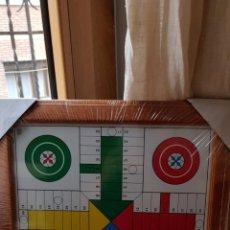 Puzzles: ANTIGUO JUEGO DE PARCHIS REMATADO EN MADERA Y CON CRISTAL DE CAYRO 45X45. Lote 161143950