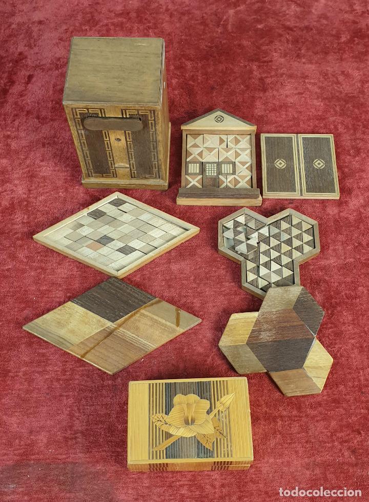 CAJA DE CAUDALES, CAJA Y 3 PUZZLES. MADERA TALLADA. SIGLO XIX-XX. (Juguetes - Juegos - Puzles)