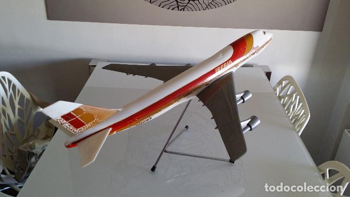 ANTIGUO AVIÓN DE AGENCIA DE VIAJES BOEING 747 IBERIA ESCALA 1/100 (Juguetes - Modelismo y Radiocontrol - Radiocontrol - Aviones y Helicópteros)