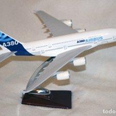 Radio Control: RÉPLICA METALICA AVIÓN AIRBUS A380, DE 35 CM. Lote 118054571