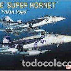 Radio Control: MAQUETA 1/144 - BOEING F/A-18E SUPER HORNET VFA-143 PUKIN DOGS DRAGON - NR. 4590 - 1:144. Lote 122908483