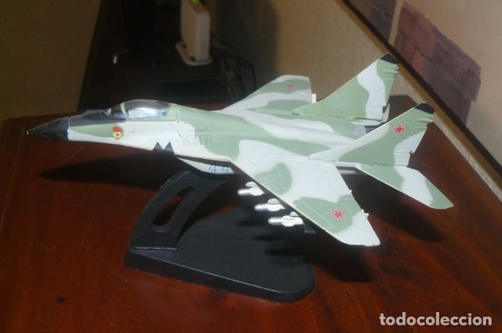 Radio Control: Maqueta de un caza Sukhoi SU-47 (S-37) - Foto 3 - 131647950