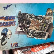 Radio Control: MAQUETA SIN MOTAR CON INSTRUCCIONES Y PEGATINAS SILLON MANDO F-16 COCKPIT ESCALA 1/12 ESCI. Lote 171609928