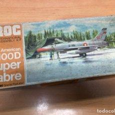 Radio Control: MAQUETA F-100D SABRE NUNCA MONTADA CON PEGATINAS Y INTRUCCIONES FROC ESCALA 1/72. Lote 172156464