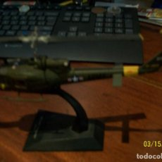 Radio Control: HELICOPTERO- BELL- UH-1 IROQUOIS-USA- ALTAYA-CON FASCICULO. Lote 197239273