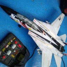 Radio Control: AVIÓN TELEDIRIGIDO F-14A NAVY USS KITTY HAWK CON CABLE NEW BRIGHT 1990 GRANDE. Lote 213094041