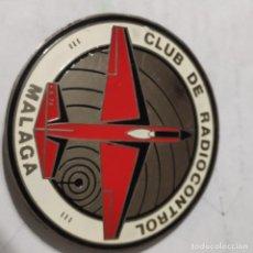 Radio Control: ANTIGUA PLACA EN PERFECTAS CONDICIONES DE AÑOS 70, CLUB DE RADIOCONTROL MALAGA, 1970, CON 2 ABUJAS. Lote 241453930