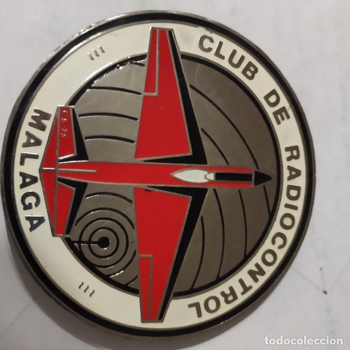 Radio Control: ANTIGUA PLACA EN PERFECTAS CONDICIONES DE AÑOS 70, CLUB DE RADIOCONTROL MALAGA, 1970, CON 2 ABUJAS - Foto 4 - 241453930